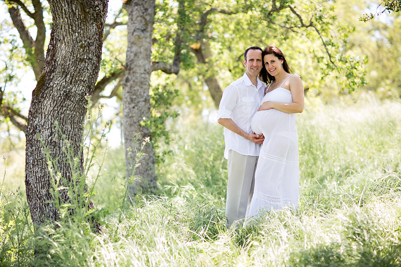 folsom maternity photography of amanda and eric by oak trees