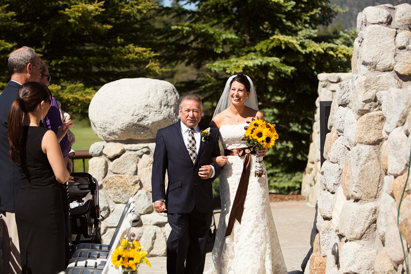edgewood golf course wedding ceremony photo of andrea & her dad