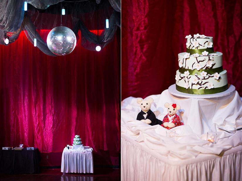lake tahoe wedding cake photos