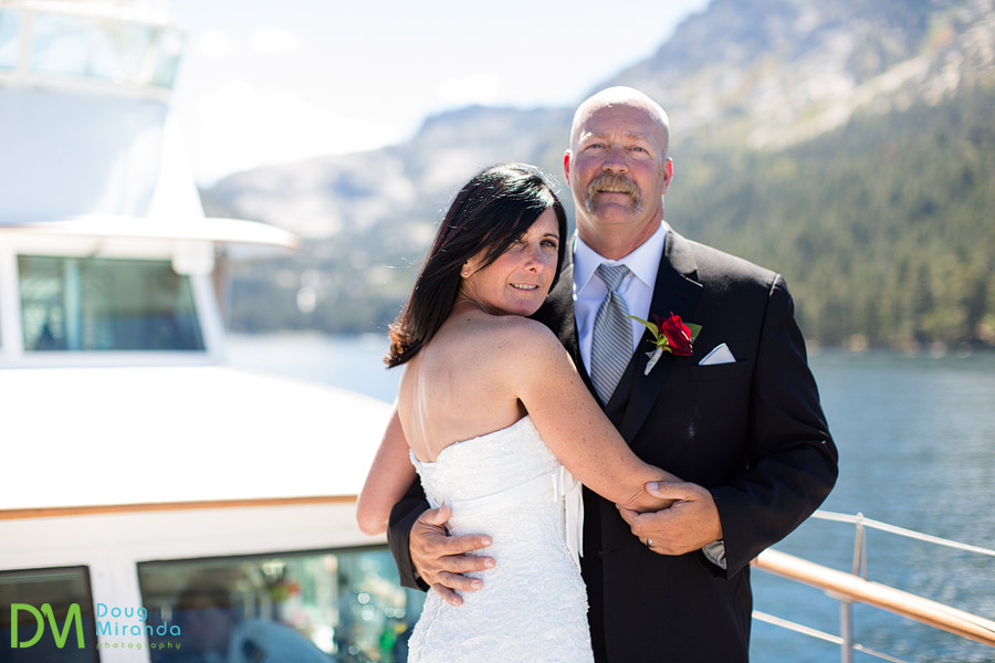 wedding photos of kelly and mike in emerald bay on the bleu wave
