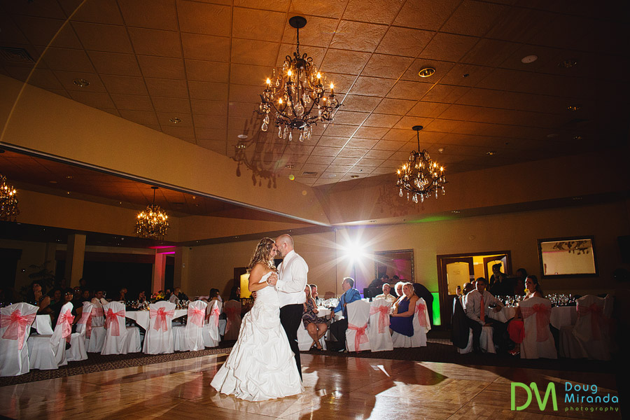 a couples first dance photos at the ridge wedding golf course in auburn