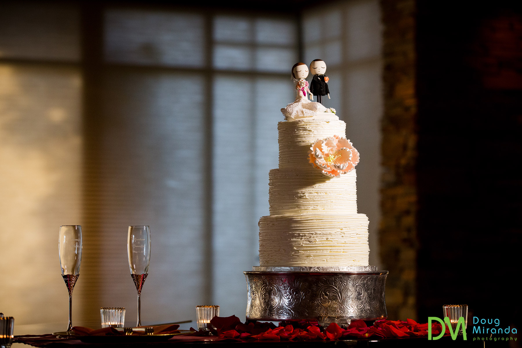 sacramento wedding cake photos