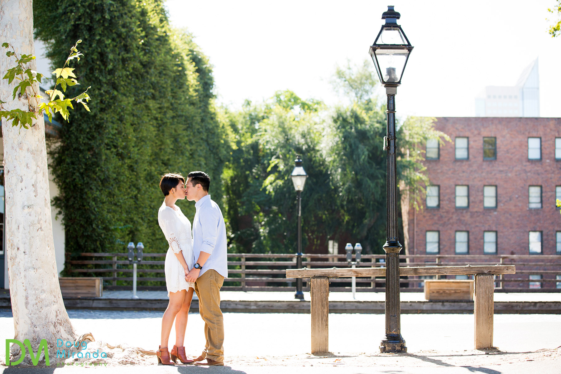 old town sacramento engagement photos