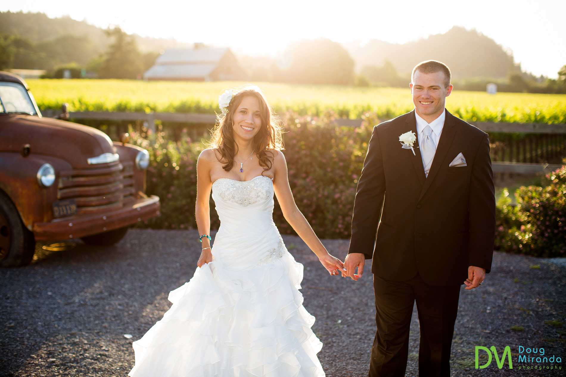 The afternoon light was perfect at the geyserville inn for their wedding photos.