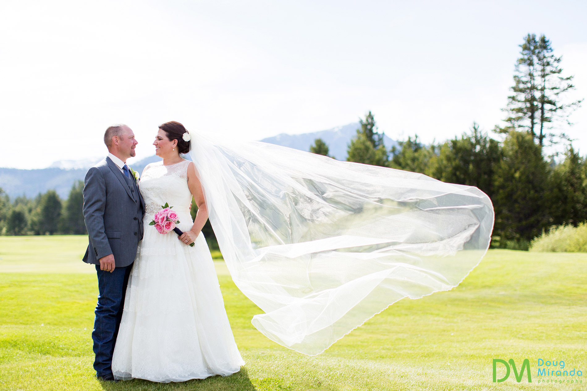 lake tahoe golf course wedding photos