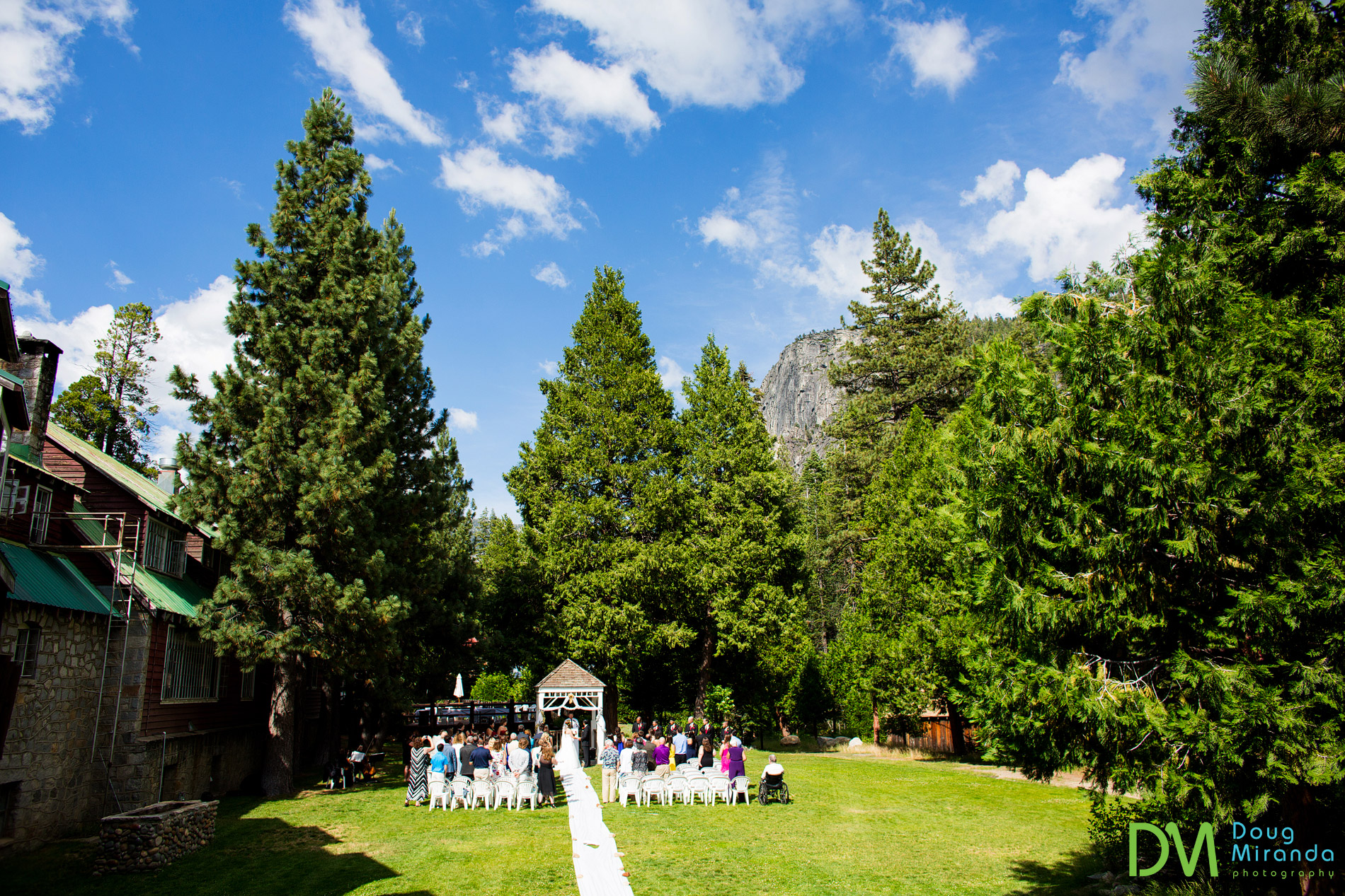 strawberry lodge weddings