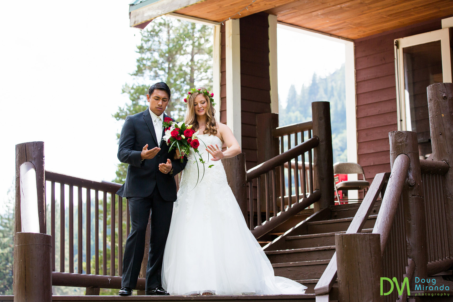 strawberry lodge wedding photos